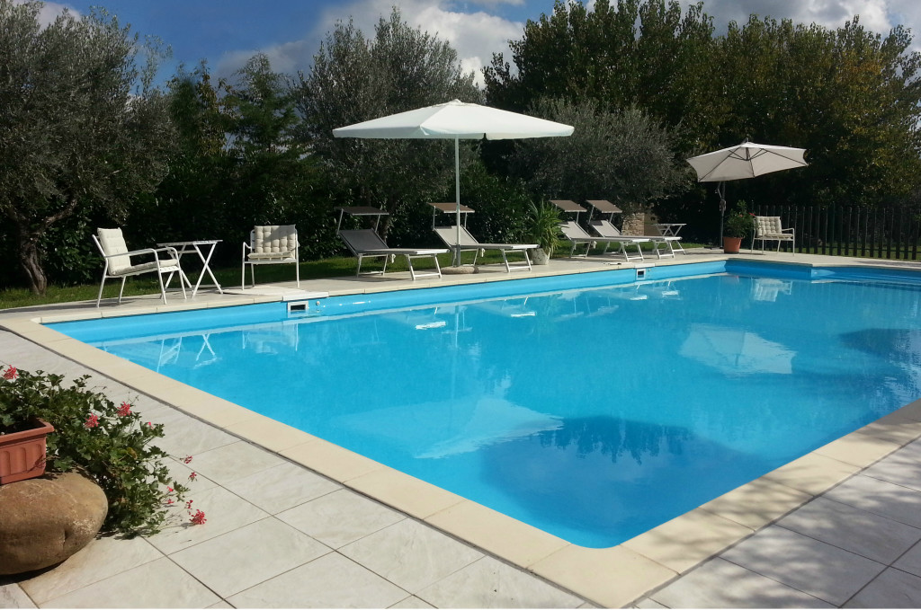 Agriturismo with two countryhouse and pool