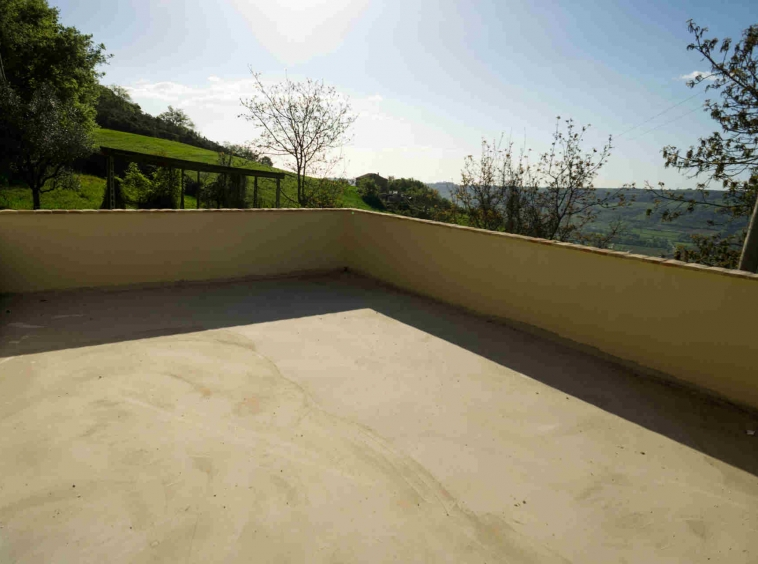 Country house in Monterubbiano with Mountains view