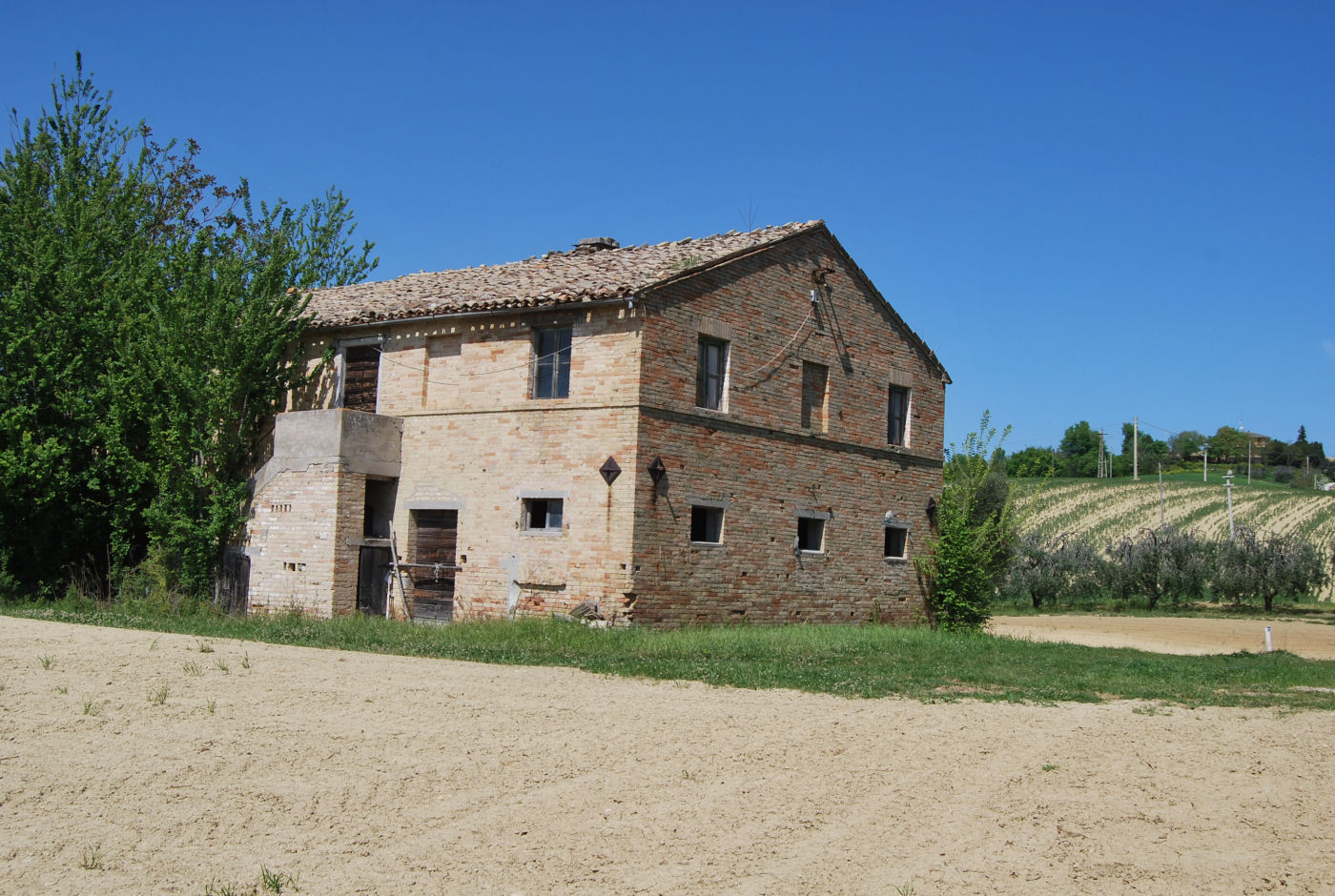 Countryhouse with 7 hectares of land
