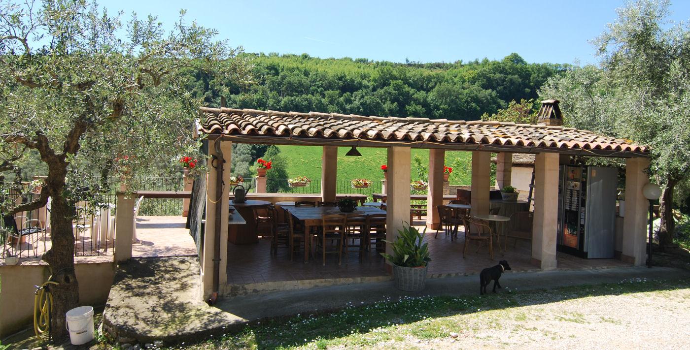 Agriturismo with 12 apartments near the Adriatic Coast