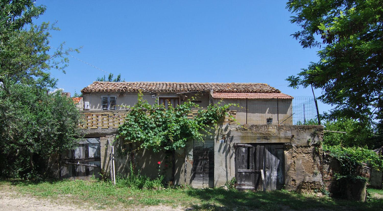 Farmhouse with seaview