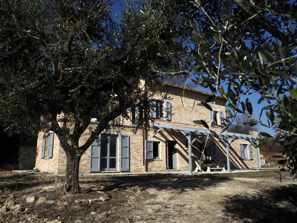 Country house in Montottone