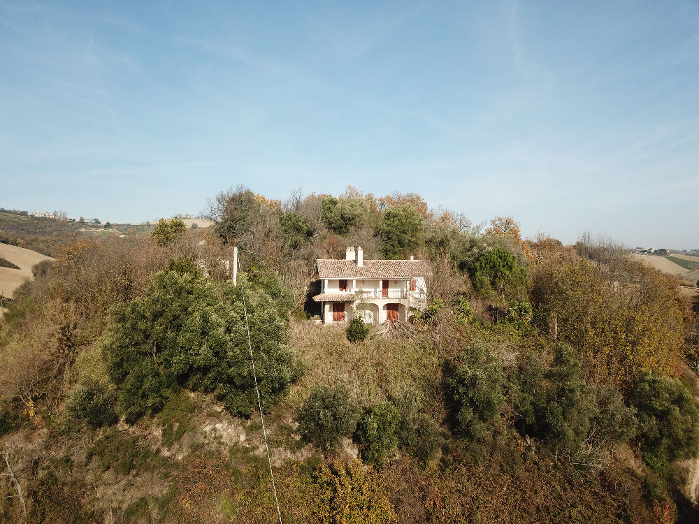Country house in a dominant position near the Adriatic Coast S
