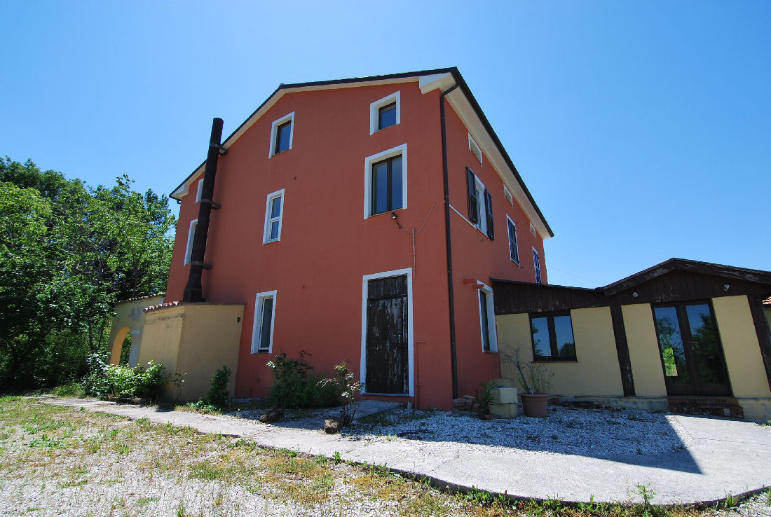 10 bedrooms B&B with Sibillini Mountains view