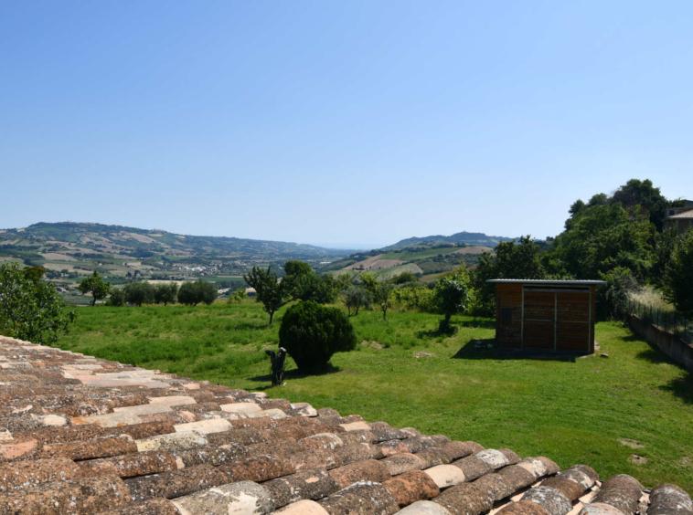 Villa with sea view in Le Marche