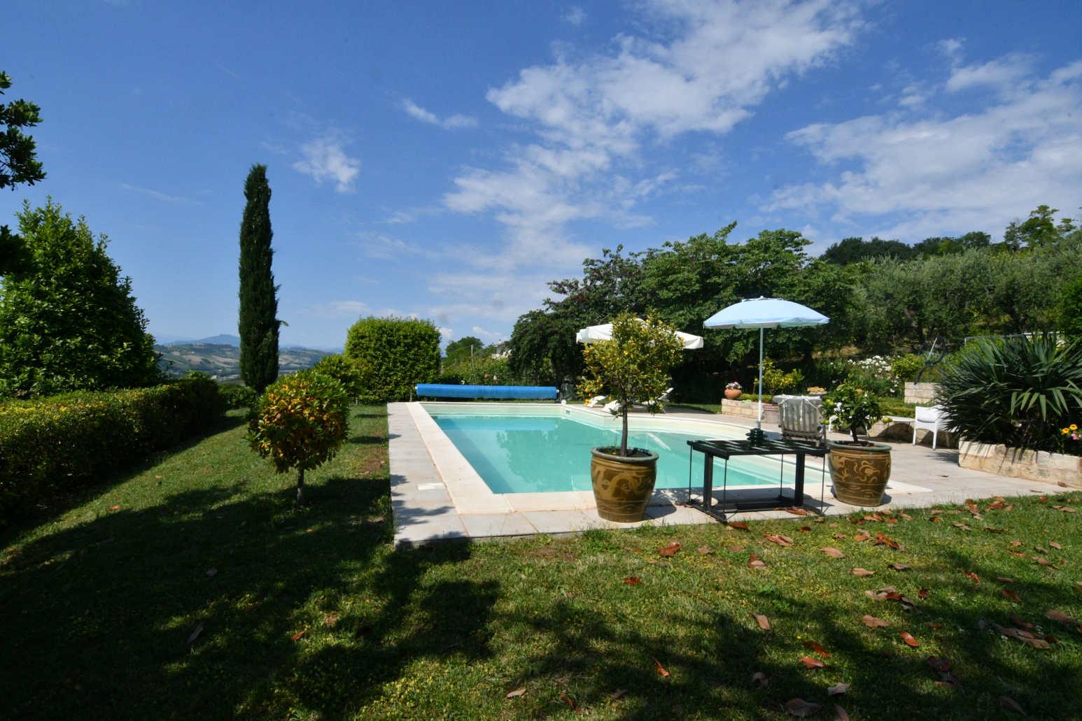 Villa with pool in Le marche