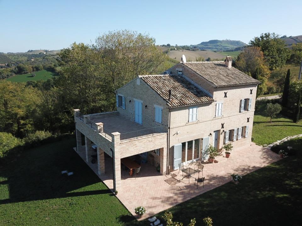 Marche property restoration in Petritoli