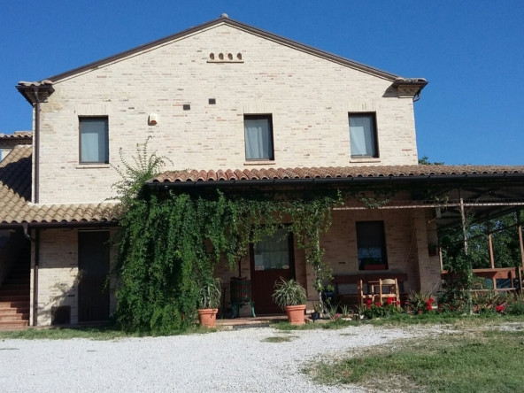 Agriturismo for sale in le marche