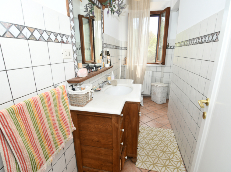 marche property for sale